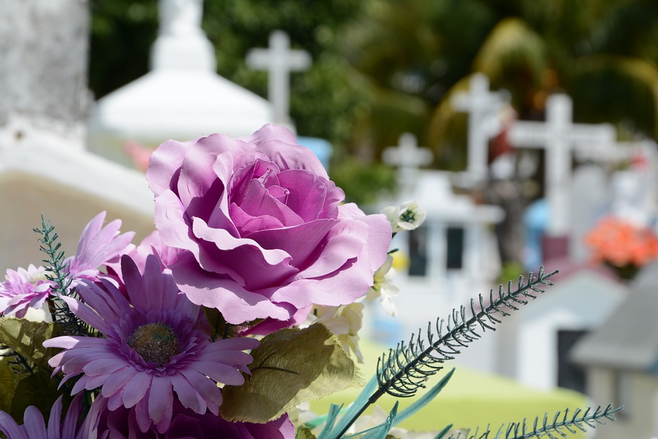 100 Songs To Play At A Funeral | Popular Funeral Songs - Ideas